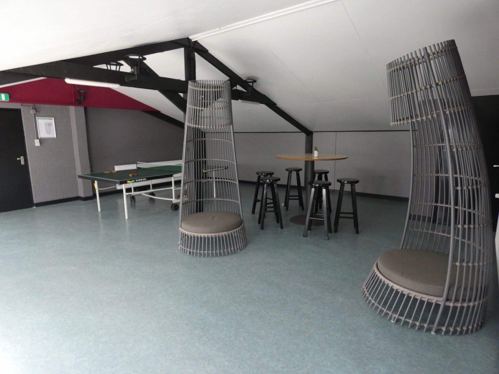 Kampeerboerderij De Reehoeve Groepsaccommodatie   De Reebok, recreatie ruimte 1e verdieping, 2.5